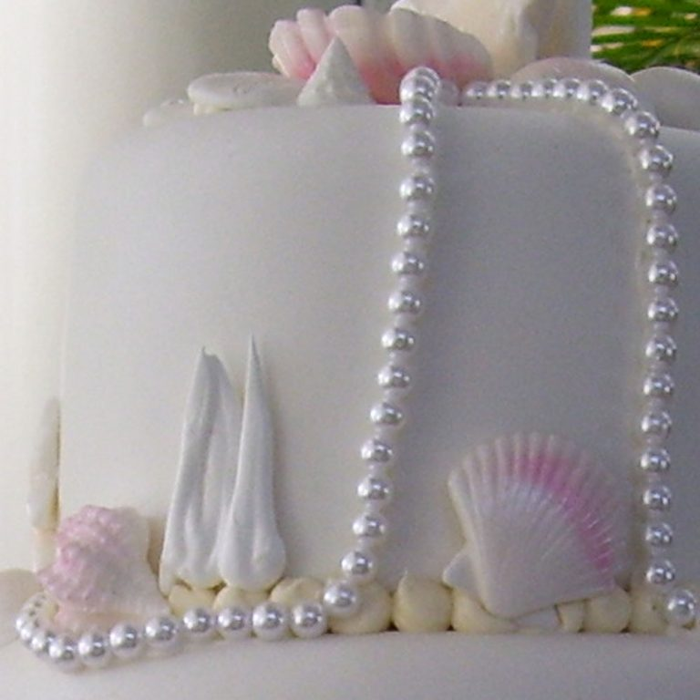 1-1_swiss-pastry-shop-bahamas-wedding-cake-with-shells-and-pearls