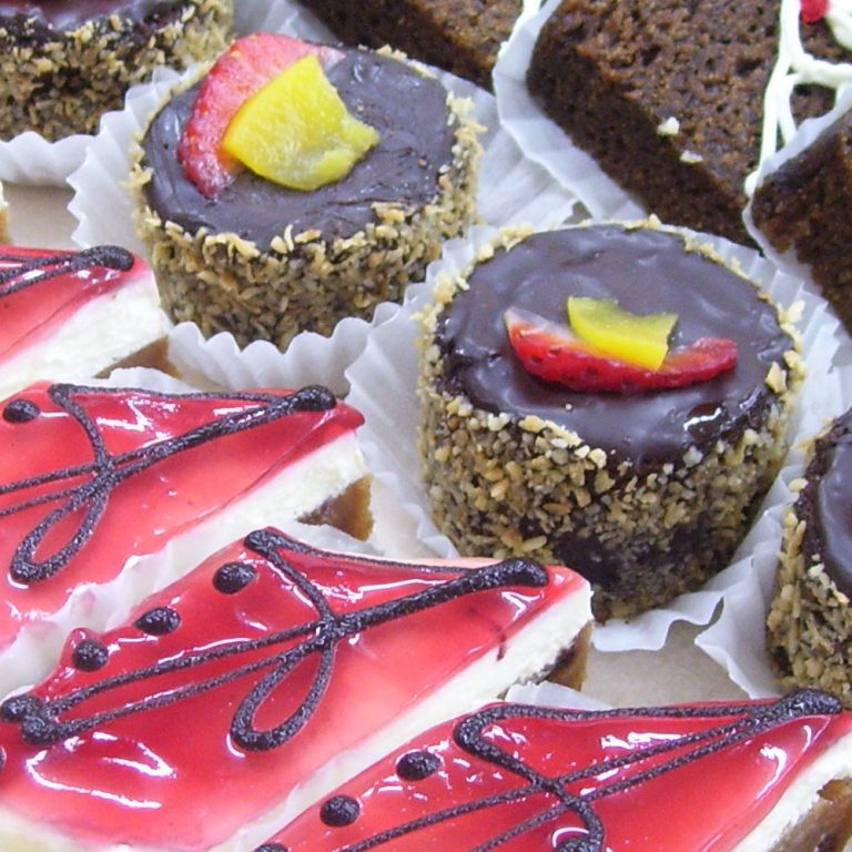 swiss-pastry-shop-bahamas-desserts-01