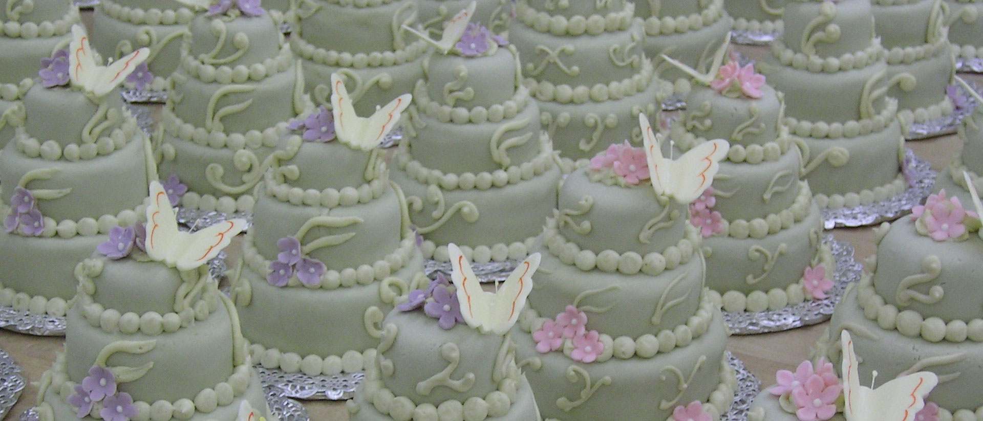 swiss-pastry-shop-bahamas-guest-wedding-cakes-01